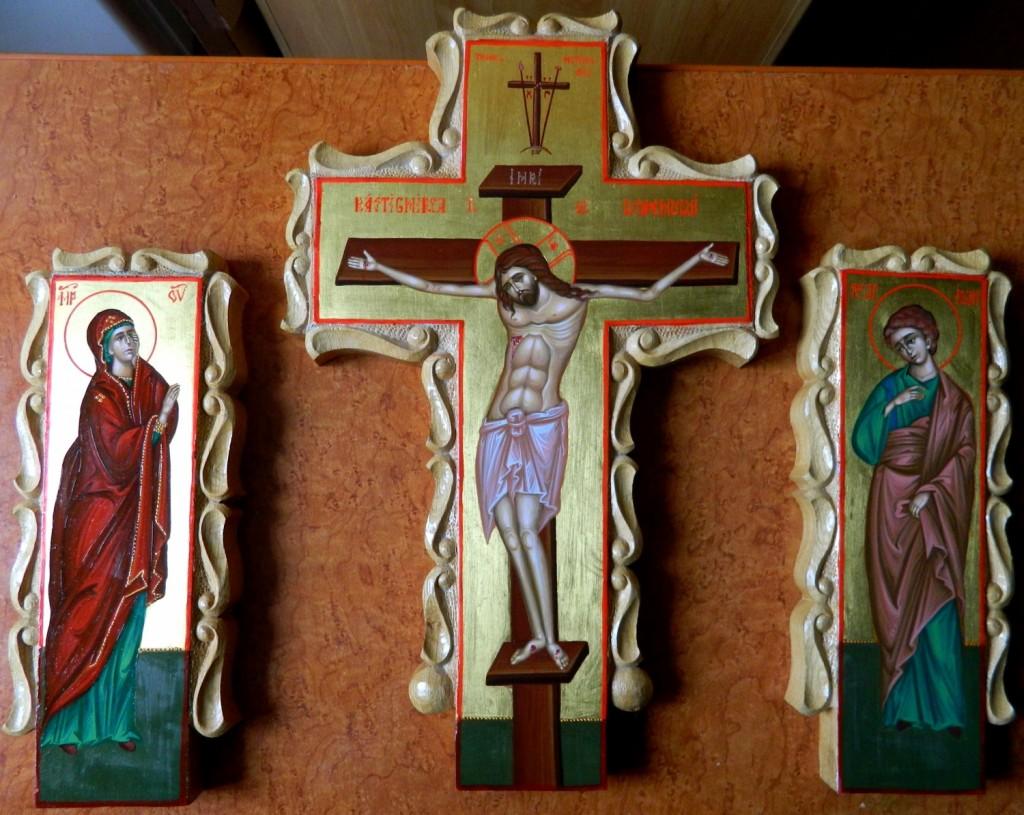 Crucea si moleniile catapeteasma- Icoane realizate pe lemn, in tehnica neobizantina si foita de aur de 22k. Dimensiune, inaltime cruce- 30cmX15cm, molenii 25 cm X 6cm
