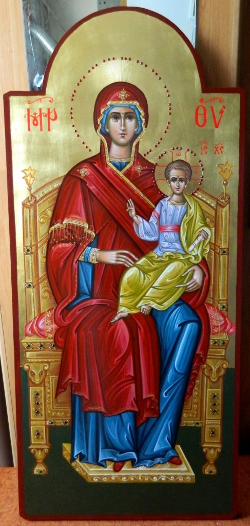 Maica Domnului cu Pruncul pe tron- Icoana imparateasca realizata pe lemn, cu foita de aur de 22k, realizata in stil neobizantin. Dimensiune 40X90cm