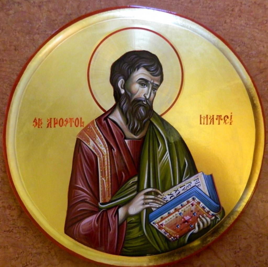 Sfantul Apostol MATEI- Icoana pe lemn, realizata in tehnica bizantina cu foita de aur de 22k.  Dimensiune 30 cm diametru.