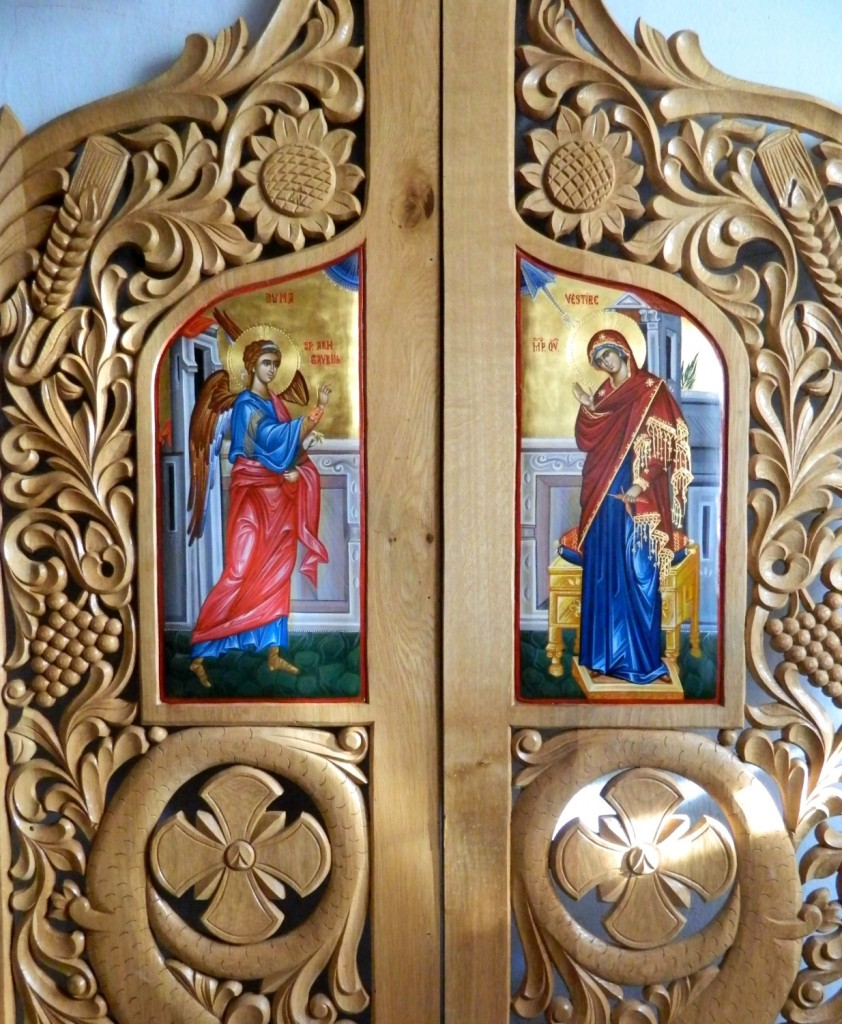 Usi Imparatesti- Icoana Buneivestiri, realizata pe suport de lemn, in stil bizantin cu foita de aur de 22k.