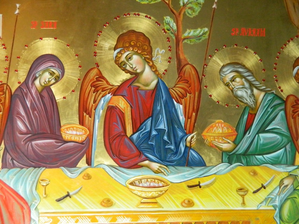 Sfanta Treime- DETALIU_ Icoana realizata pe lemn, in stil bizantin , cu foita de aur de 22k, si aplicatii de pietre semipretioase. Dimensiuni, oval 90 X120 cm
