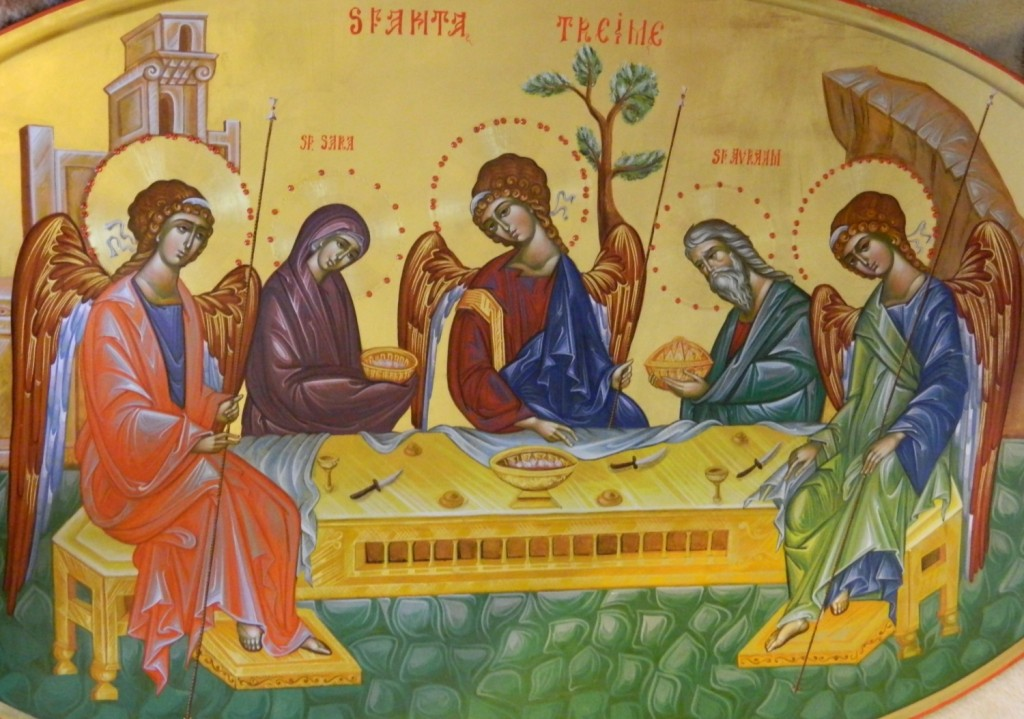 Sfanta Treime-DETALIU_ Icoana realizata pe lemn, in stil bizantin , cu foita de aur de 22k, si aplicatii de pietre semipretioase. Dimensiuni, oval 90 X120 cm