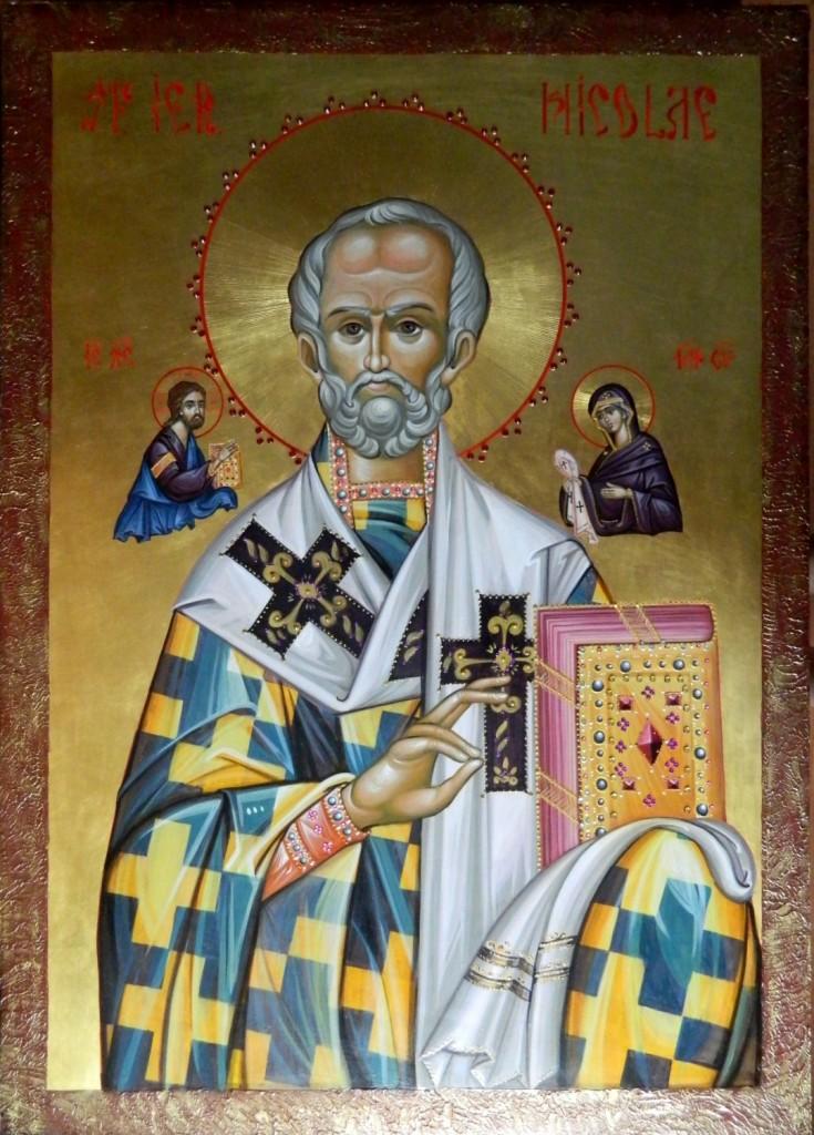 Sfantul Ierarh Nicolae- Icoana realizata pe lemn de tei, in tehnica bizantina, cu foita de aur de 22k, si aplicatii de pietre semipretioase. Dimensiuni 50X70 cm