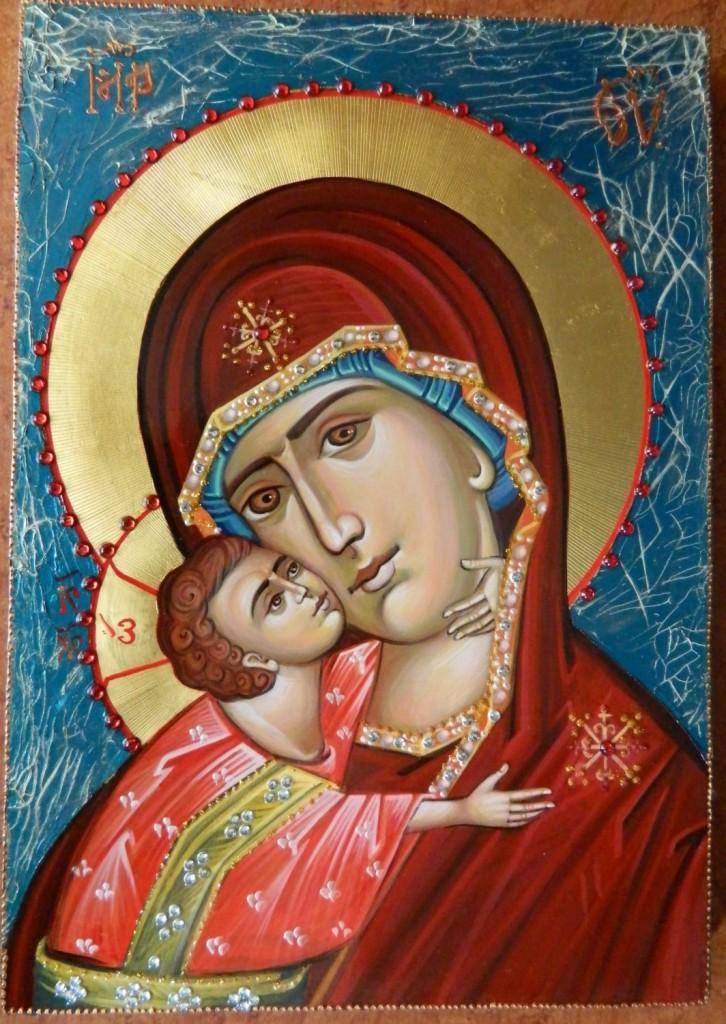 Maica Domnului Dulcea Sarutare- Icoana pictata pe lemn, in stil bizantin cu foita de aur de 22k si aplicatii de pietre pretioase. Dimensiuni A4, 30X21cm