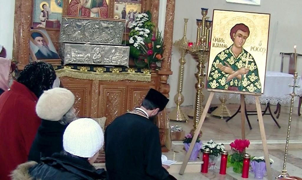 Icoana Sfantului Ioan Rusul  in biserica spre inchinare.