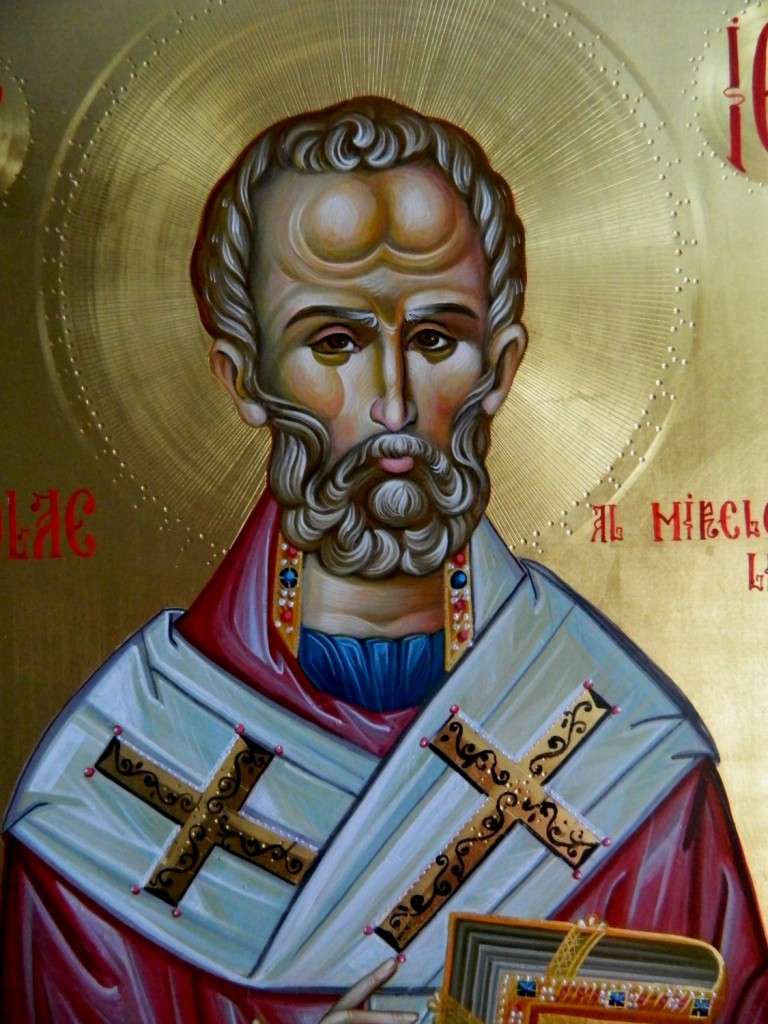 Sfantul Ierarh Nicolae- DETALIU_Icoana pe lemn, realizata in tehnica bizantina cu foita de aur de 22k si pigment cu emulsie. Dimensiune 30 X42cm ( A3)