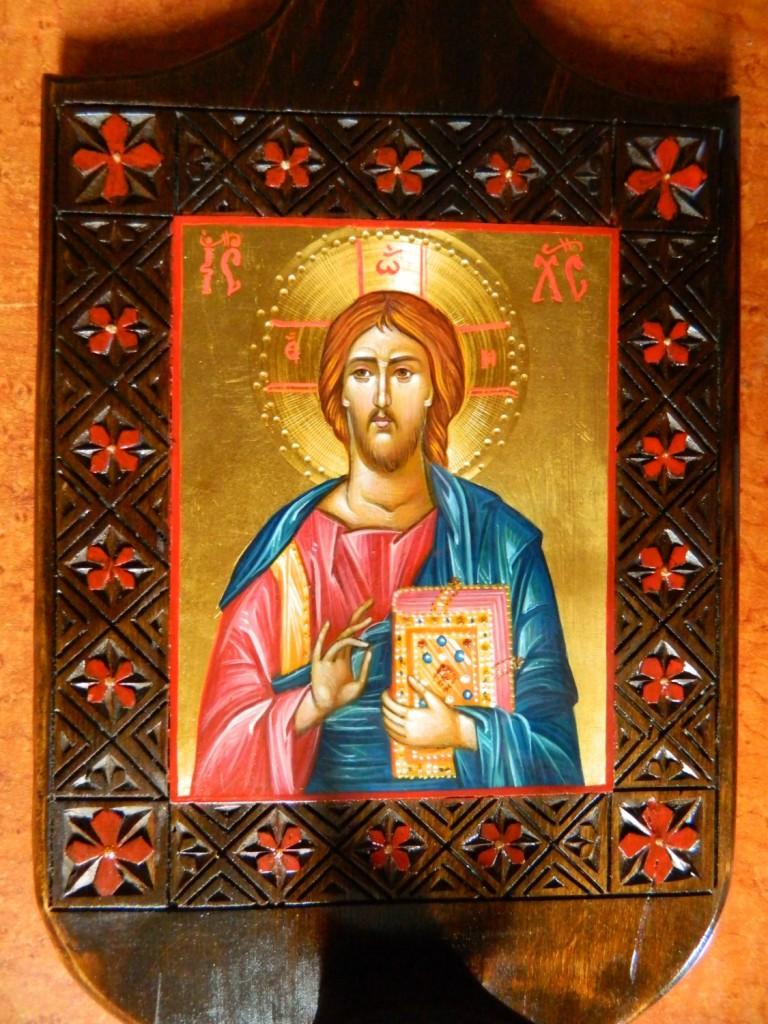 DETALIU_Candela Domnului Iisus Hristos, realizata din lemn, sculptat manual, icoana este realizata cu foita de aur de 22k, in stil bizantin.   Dimensiune 35X 20 cm, dimensiune icoana 13x11cm.