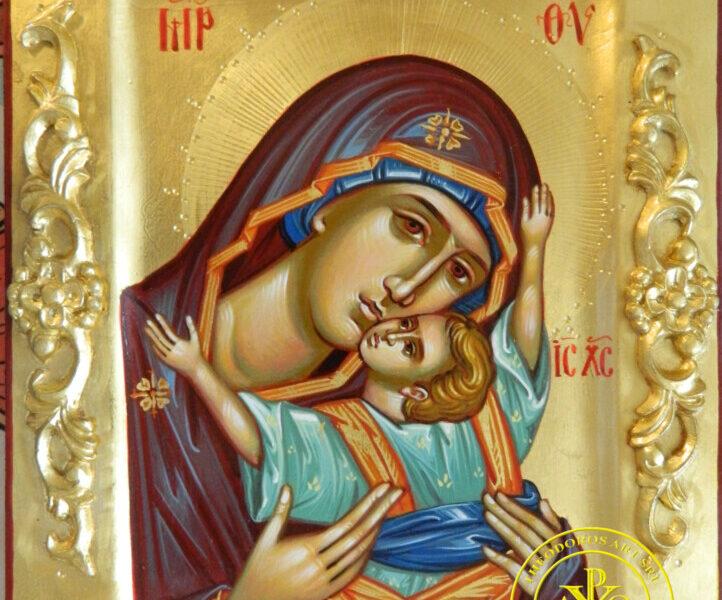Maica Domnului cu Pruncul- Dulcea sarutare si imbratisare a mamei!