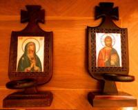 CANDELE DIN LEMN SCULPTATE SI PICTATE IN STIL TRADITIONAL -Candela Din Casa Ta Iti Aduce Binecuvantarea Domnului